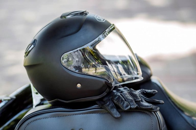 How Long are Motorcycle Helmets Good For - motorgearlab.com